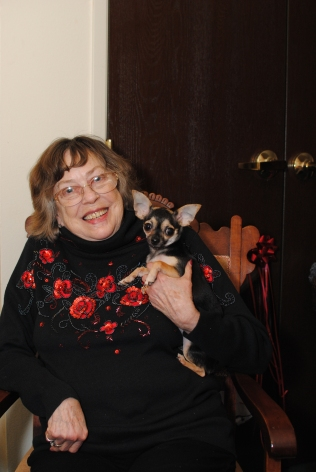 Christmas visit with my mom and her Chihuahua Tiny.