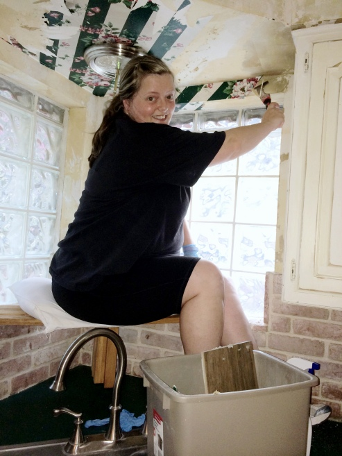 Me taking down wallpaper. I am pretty sure wallpaper is evil. Very, very evil.