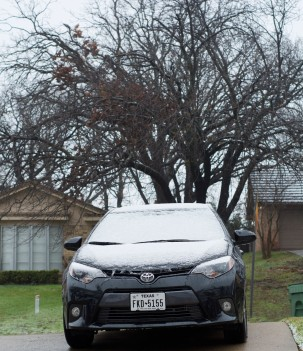 This was the first wimpy snow. I didn't get a pic of the bigger snow on my car.